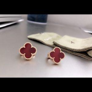 💯VCA Alhambra carnelian earrings